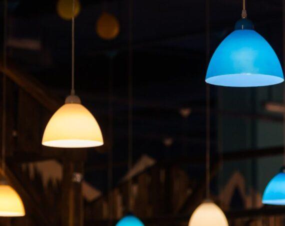 How Long Do Philips Hue Bulbs Last?